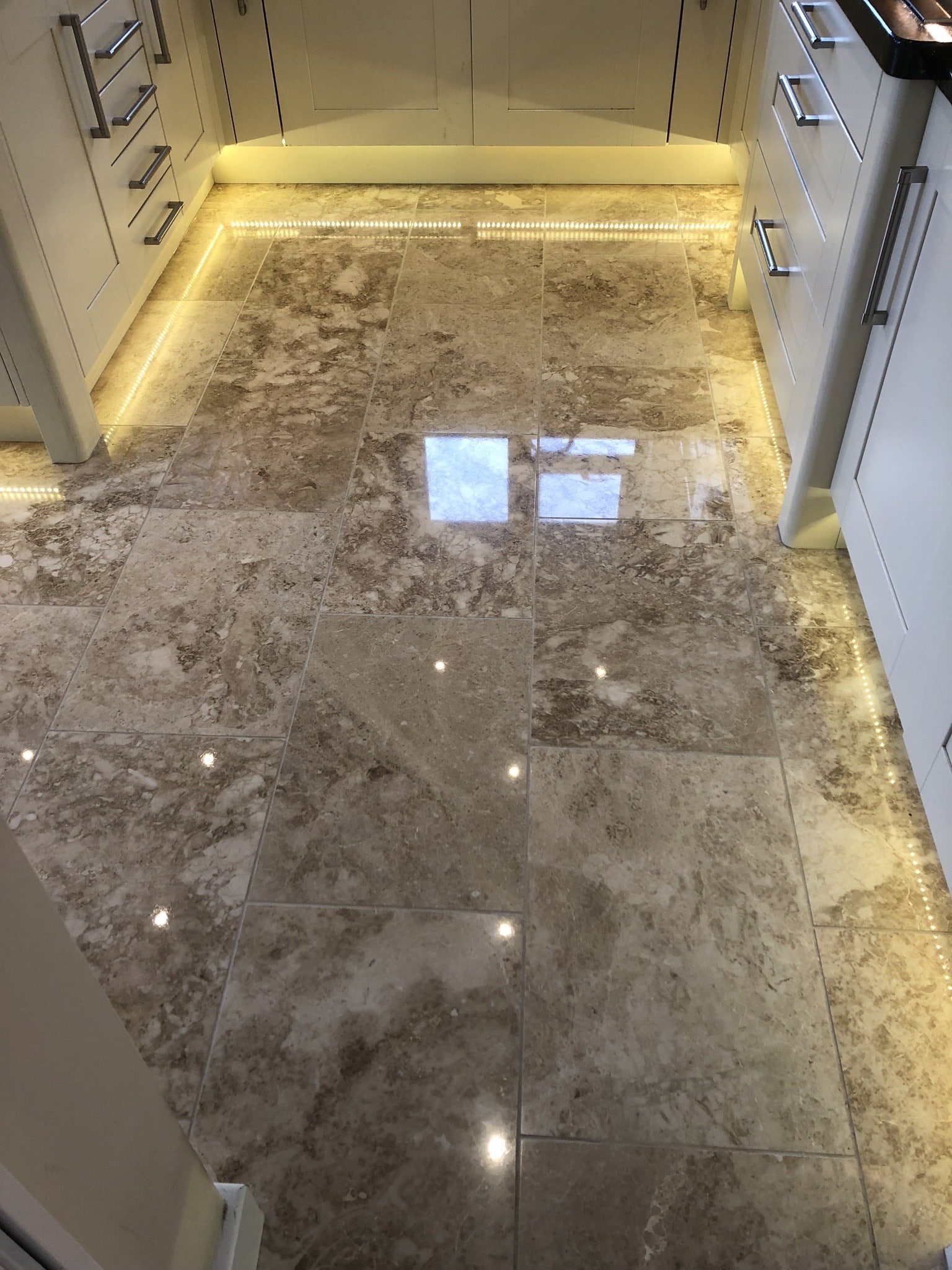 Marble Tiled Kitchen Floor After Polishing Callowend